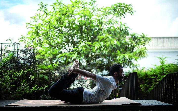 Bertsoaren  arnasa:  Yoga  eta  Bertsolaritza  (edo  alderantziz)